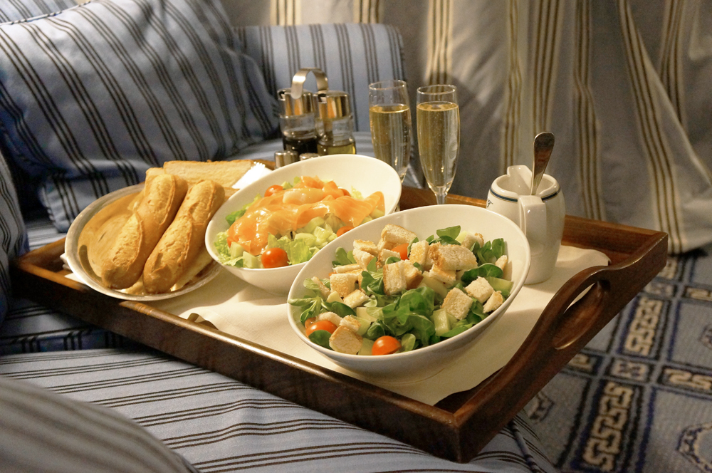 dokhans-ROOMSERVICE