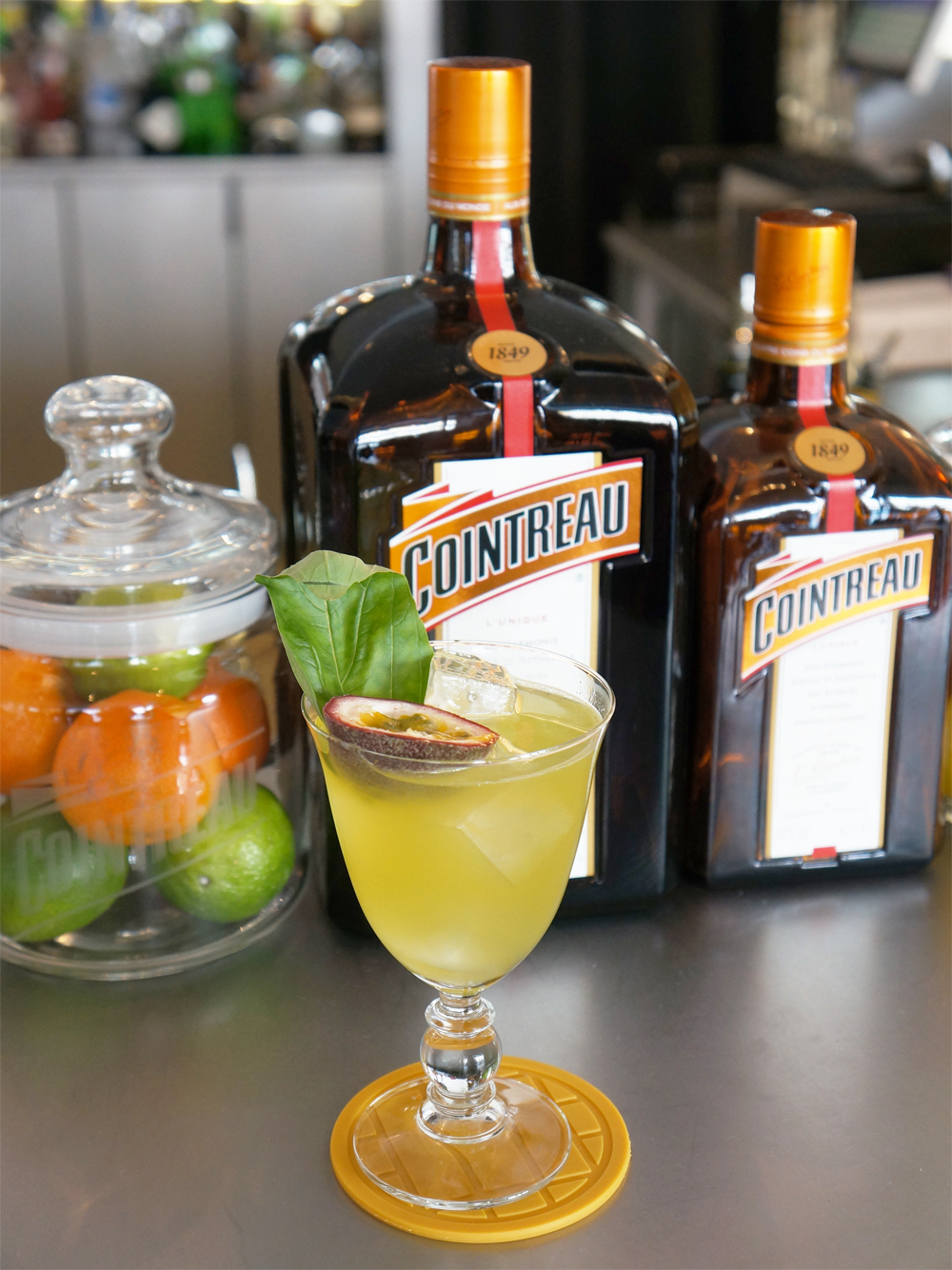 cocktail-smash-and-fizz-COINTREAU-4